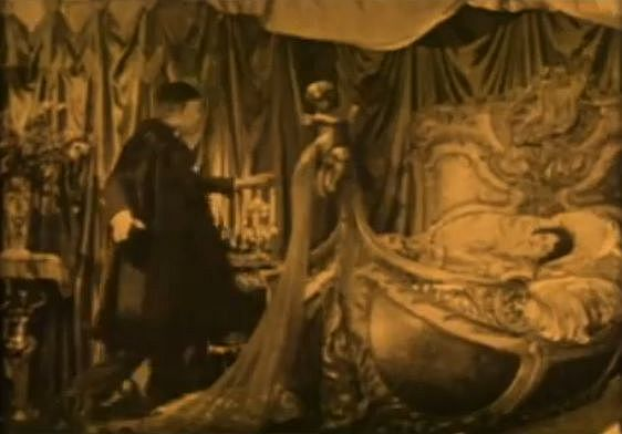screen capture from 1929 version