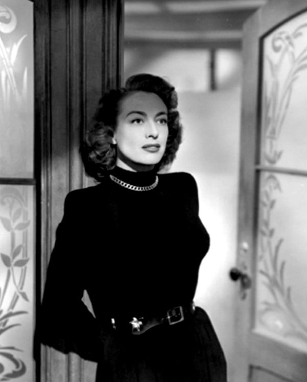 daisy-kenyon-4-from-legendaryjoancrawford